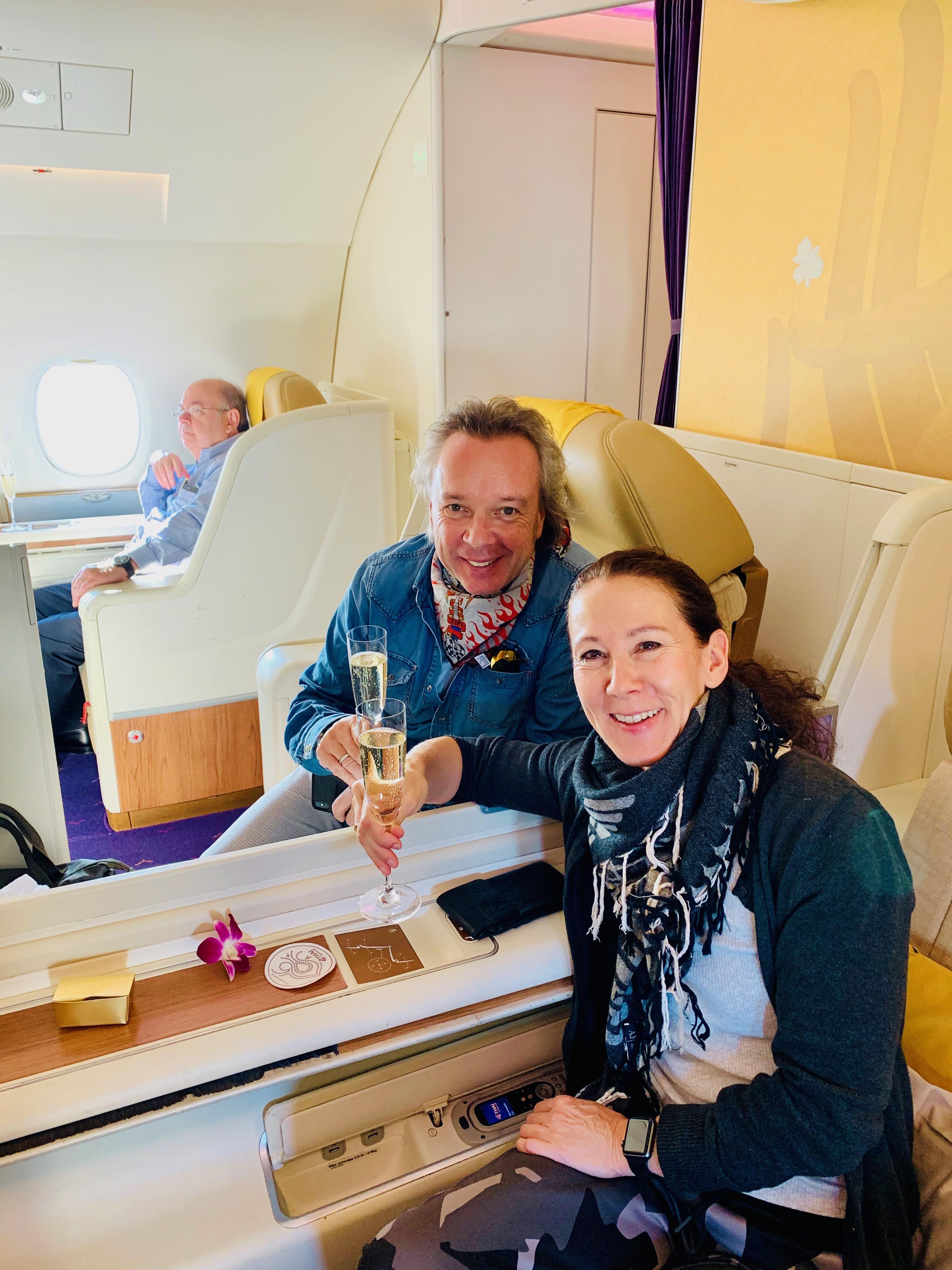 """SuperMenU """"Around the world"""" – Der Flug nach Bangkok mit Thai-First"""