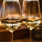 ローランドの酒を飲まない理由がカッコイイ!実は酒が強くてマティーニ好き?