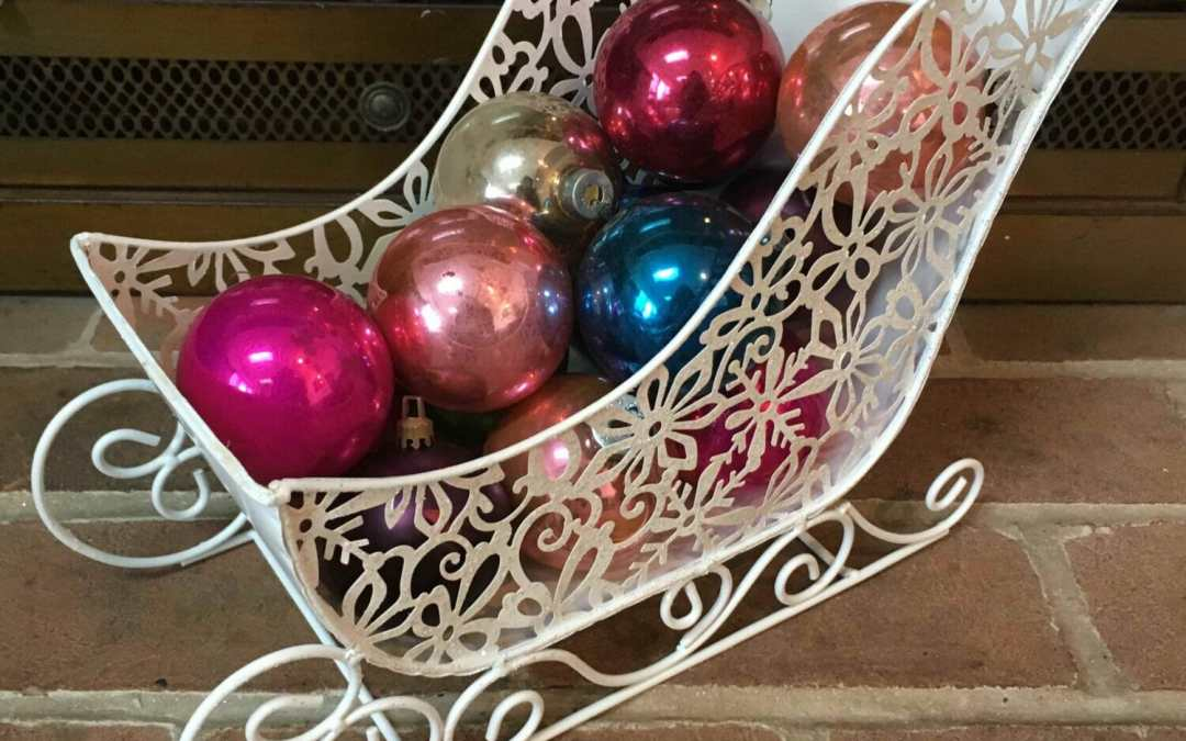 Super-Simple Holiday Centerpiece