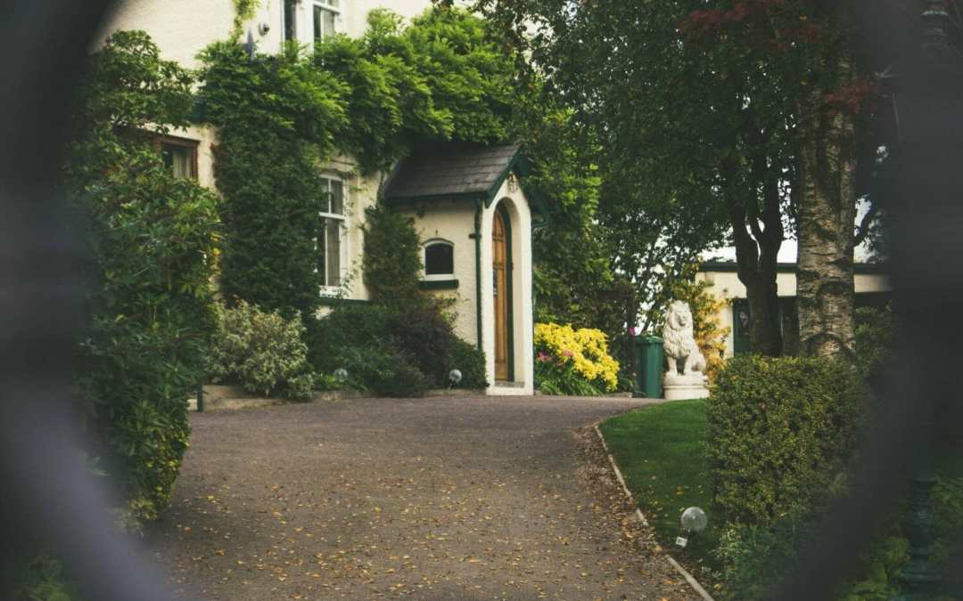 Improving Your Home's Curb Appeal, Made Easy
