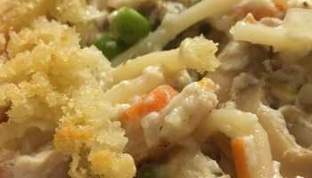 Want a post-Thanksgiving leftovers dish that's easy, healthy, and kid-pleasing? Then this Skinny Turkey Tetrazzini is a must-try!