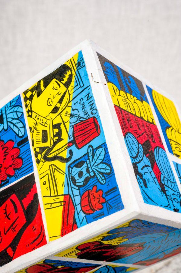 Sculpture et objet d'art sur notre Galerie en ligne, ici un cube par Bouda