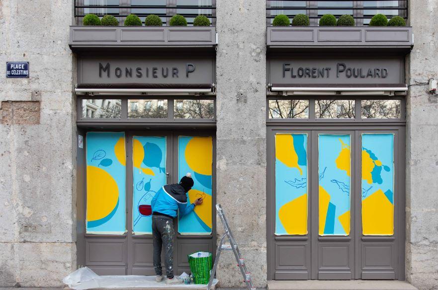 Après Lyon, des devantures de restaurants parisiens s'enivrent de couleurs