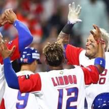 Puerto Rico se impone a República Dominicana y mantiene su invicto