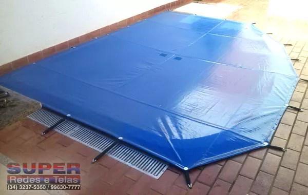 capa-de-proteção-em-piscina