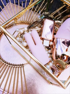 [Image: another picture of the Le Wand Chrome Deux and Chrome Point in Rose Gold inside a jewelry box]
