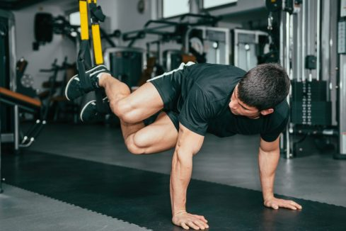 TRX Suspension training. Pendulum Swings with rotation. Bodyweight. Exercise. Functional Workout. Super Soldier Project.