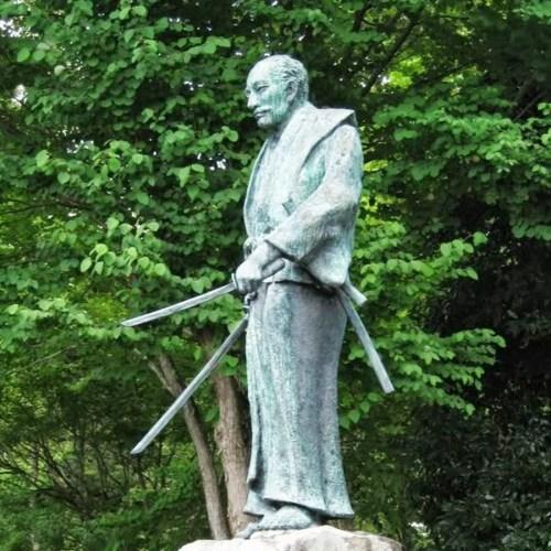 book of five rings. Dokkodo. Go rin no sho. life strategy. zen buddhism. ancient japan. samurai. ronin. Famous samurai. Positive mindset. Kenjutsu