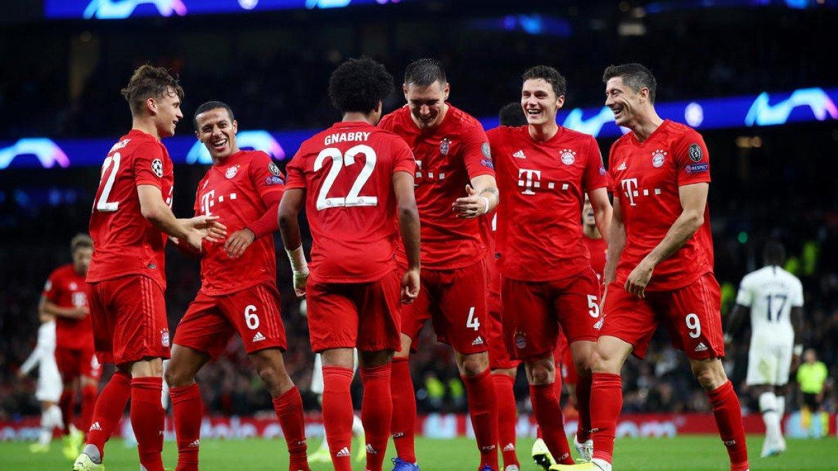 Четири клубoви од Бундеслигата ги спасуваат малите клубови од финансиска криза
