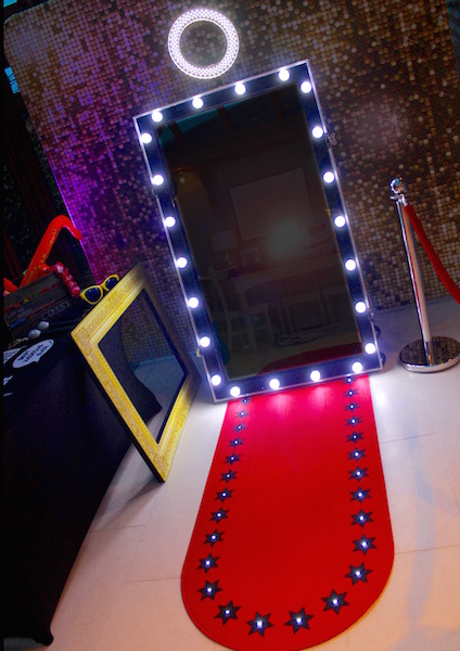 Light up frame on magic mirror photo booth