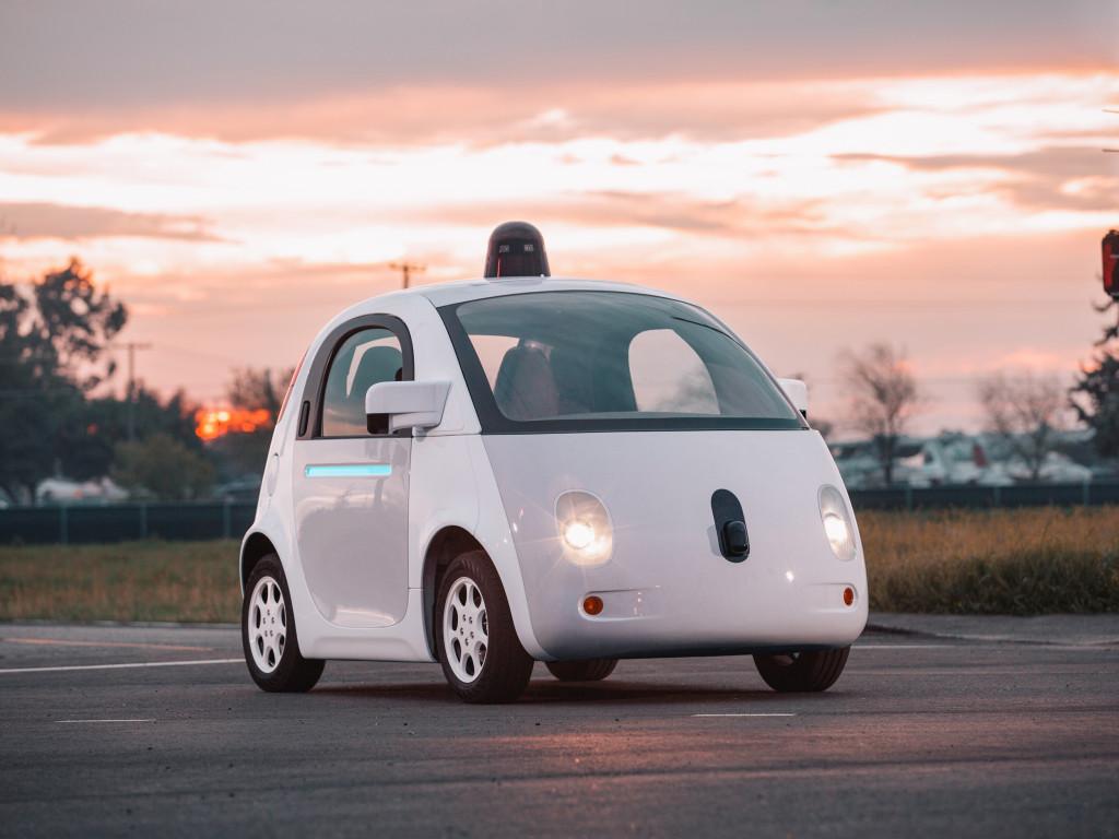 Apple e Google à procura de fabricante de carros