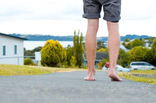 marcher pieds nus nouvelle-zélande