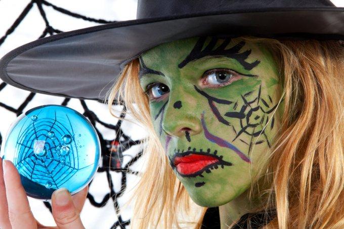 Maquillaje infantil de Bruja de piel verdosa para Halloween