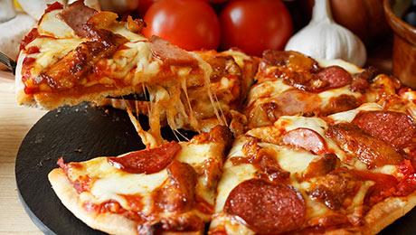 Chicken Amp Chorizo Tear Amp Share Pizza Supervalu
