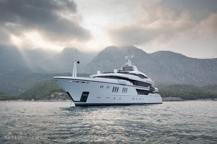 EPAK antennas on private yacht