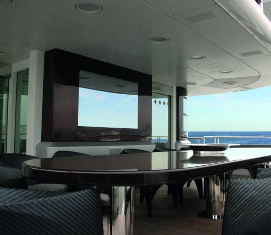 AGATH-MirrorTV-on-board
