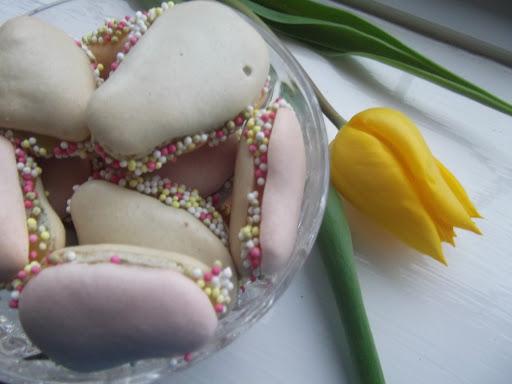 Easter Lemon Macaroons