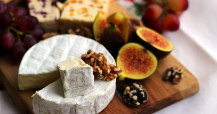 How to Choose a Christmas Cheese Board
