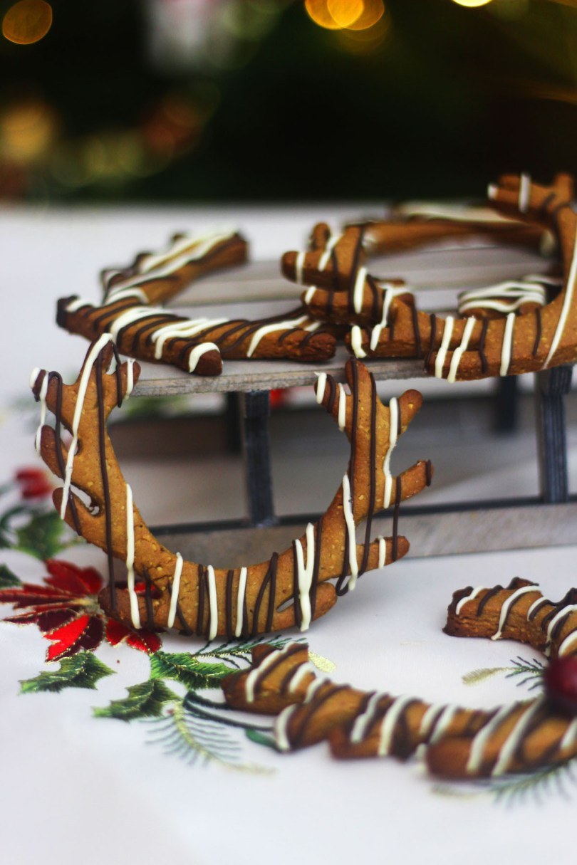Lebkuchen are a delicious spiced biscuit from Germany find out how to make them at Supper in the Suburbs