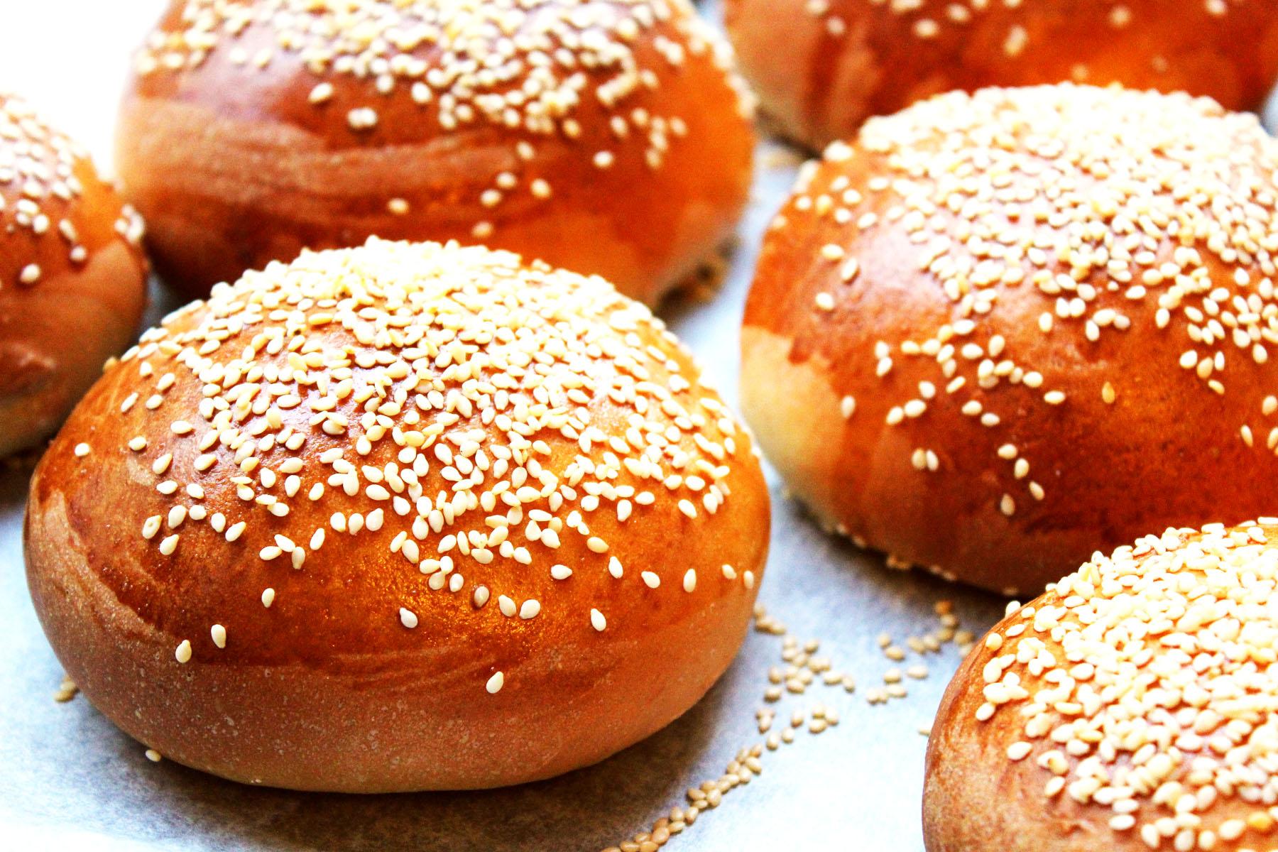 Sesame Seed Brioche Burger Buns