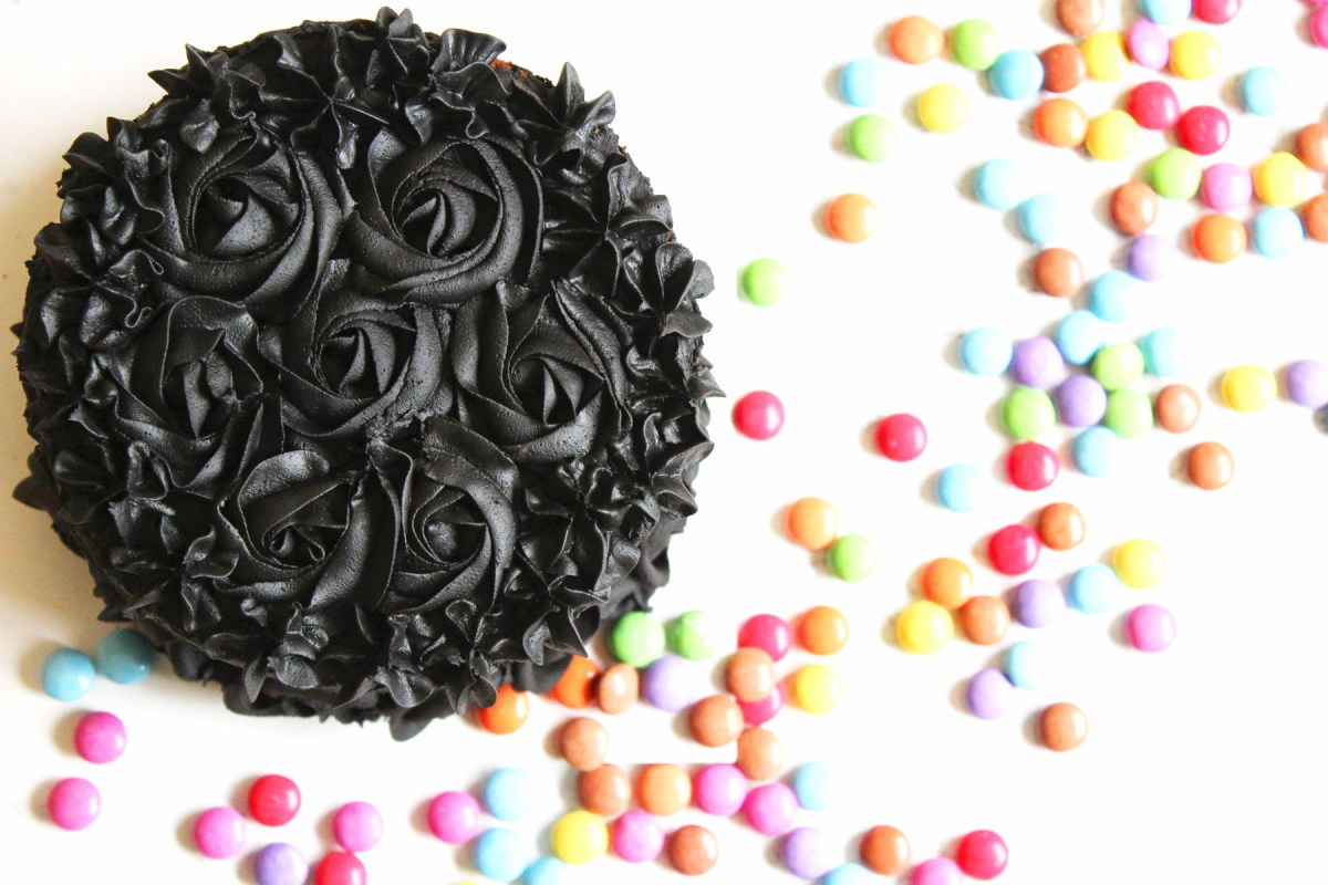 Halloween Piñata Cake