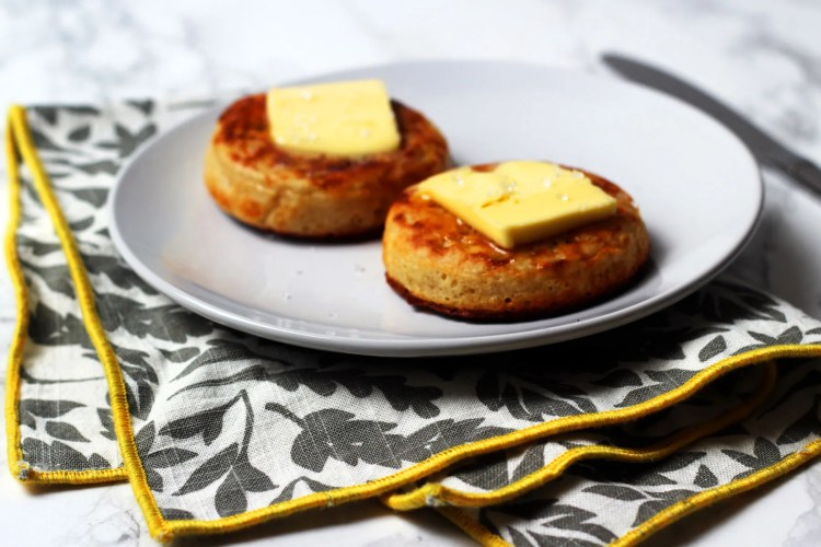 Find out how easy it is to make crumpets from scratch! Get the brunch recipe everyone needs from Supper in the Suburbs