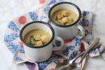 2 mugs of creamy garlic soup (vegan) with croutons
