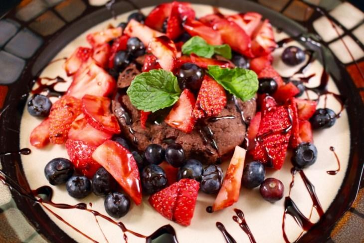 Chocolate Strawberry Dessert Plates Beautifully!