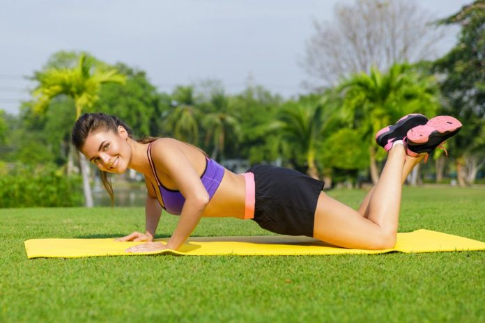 Best pushups for female beginners at home