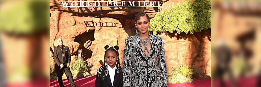 beyonce with daughter celebrating grammy wins
