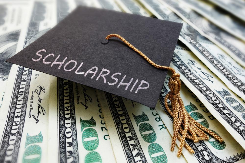 Verda Tetteh Wins Scholarship, Passes it On.