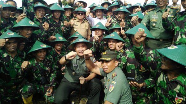 Sejarah Seragam Militer