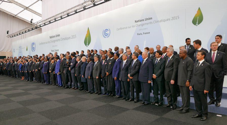 COP21_participants_-_30_Nov_2015_23430273715-897x494