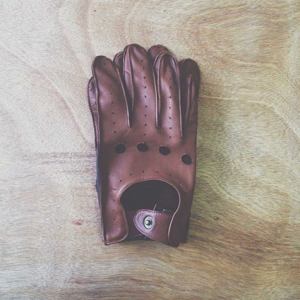 These @dents_leather gloves are a thing of beauty.