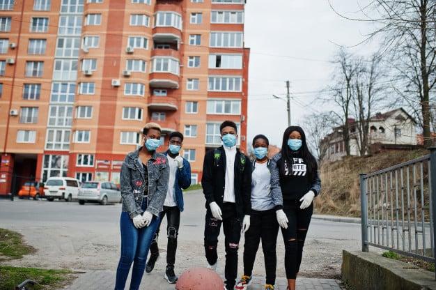 Que tipos de serviços um condomínio precisa ter para controlar contaminações do novo coronavírus? 1