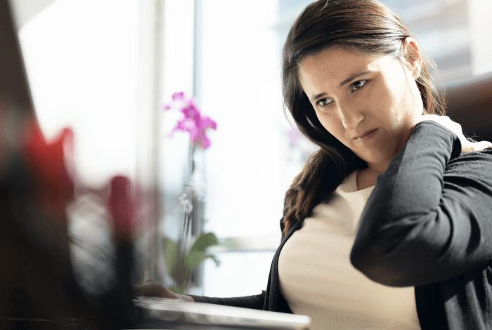4 dicas de ergonomia do ortopedista Diogo Fagundes para um home office com mais saúde 1