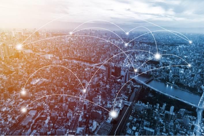Blockchain, a tecnologia por trás do Bitcoin, conecta centenas de milhares de computadores através de uma rede distribuída e usa criptografia