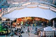 Piazza delle Feste con il Suq (foto Michele D'Ottavio)