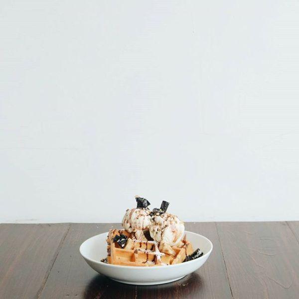 Volks van brown waffle
