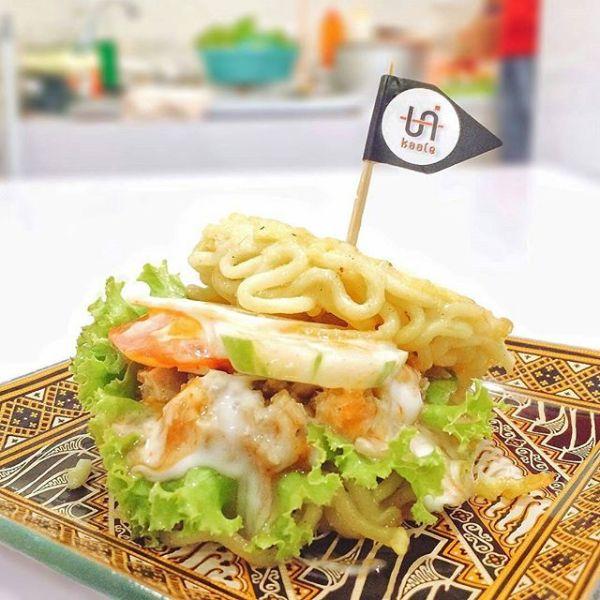 Unikaale Burger Ramen