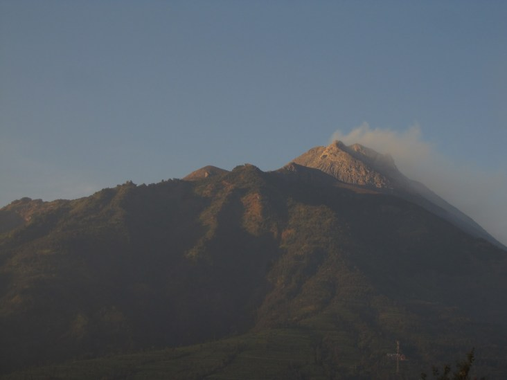 Gunung Merapi with the rising sun
