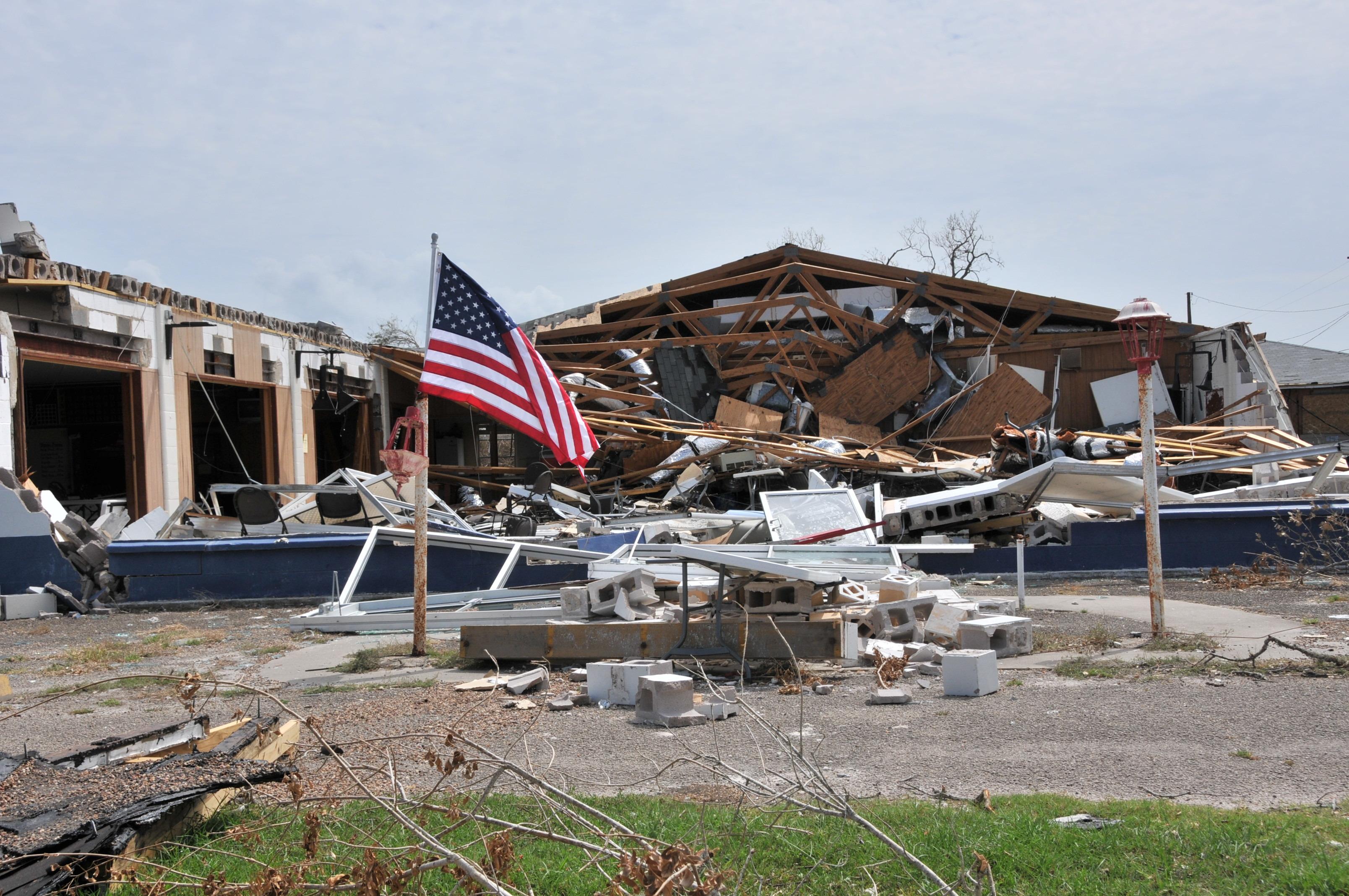 (170905) -- TEXAS, septiembre 5, 2017 (Xinhua) -- Imagen del 3 de septiembre de 2017 de casas dañadas tras el paso del huracán Harvey, en Rockport, Texas, Estados Unidos. Harvey tocó tierra el 25 de agosto como el huracán más poderoso que ha golpeado Texas en más de 50 años. (Xinhua/Liu Liwei) (vf)