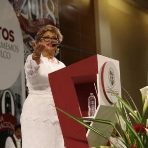 Adela Román Ocampo pronuncia su mensaje durante su toma de protesta como alcaldesa, en el centro de congresos Mundo Imperial. Foto: Carlos Alberto Carbajal