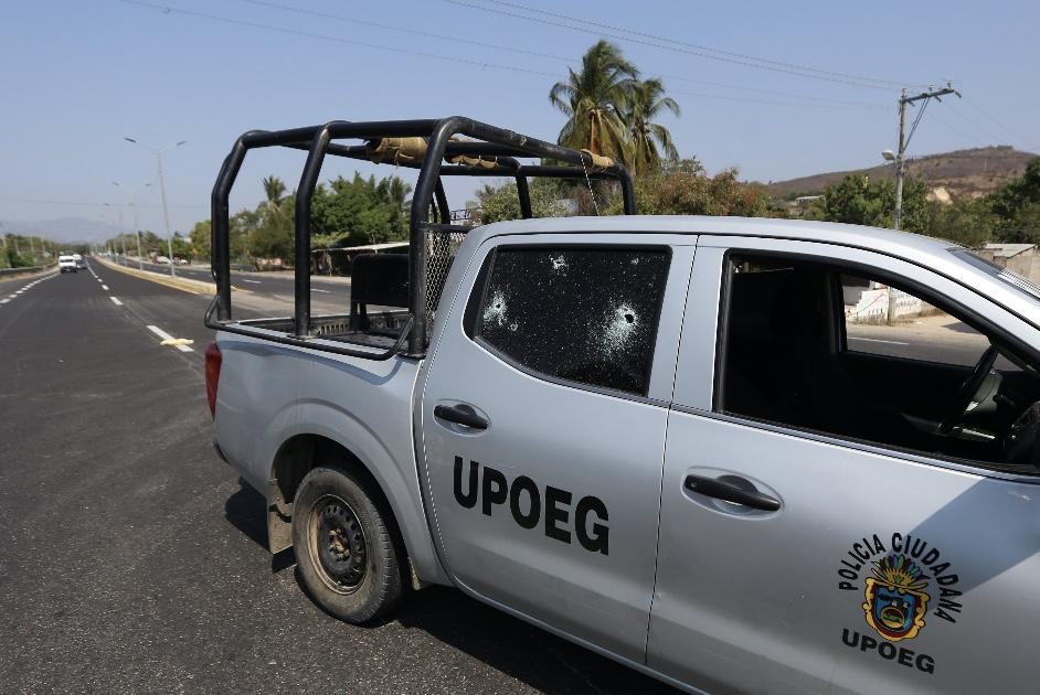 Mueren dos policías de la UPOEG y una mujer en enfrentamiento con policías  estatales - El Sur Acapulco suracapulco I Noticias Acapulco Guerrero