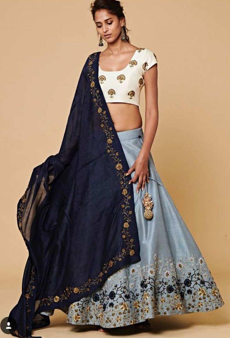 3bf1c4ae78 Surat Textile Hub krishna export pressent bollywood styles lehenga ...