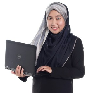 Suraya Ali Online Marketing Coach