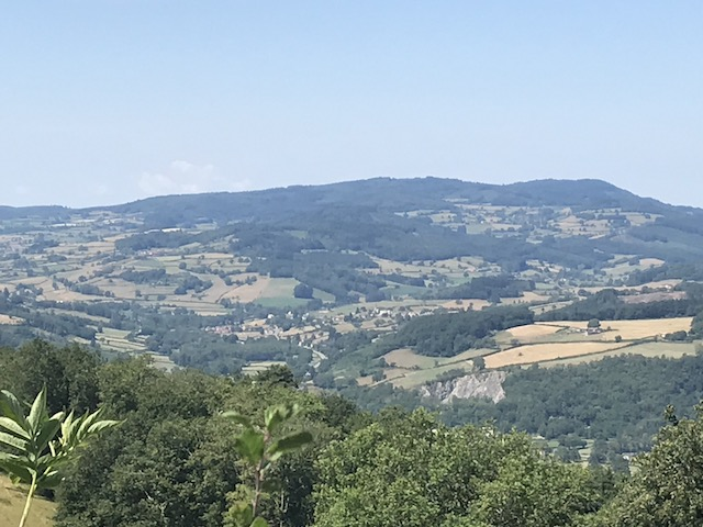 Cluny- Cenves: 24 km