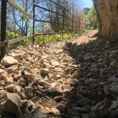 St Cirq Lapopie chemin de halages