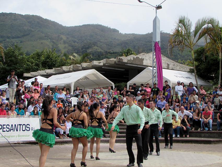 Comunidad de Dota celebra la vida en festival cultural10