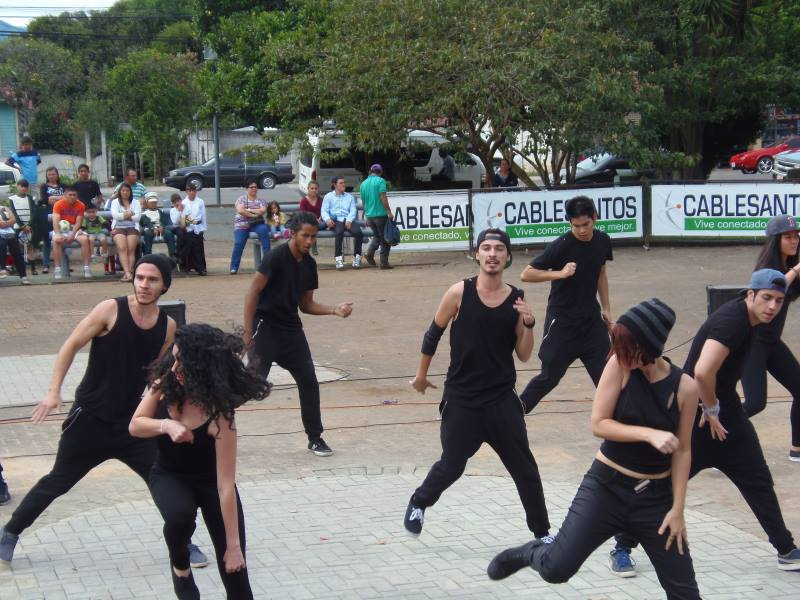 Comunidad de Dota celebra la vida en festival cultural8